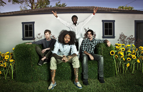 Gym Class Heroes. «Ass Back Home (feat. Neon Hitch)»